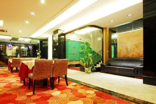Milan Holiday Hotel: 中餐厅