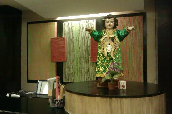Basa Hotel: 前台~圣婴迎接~