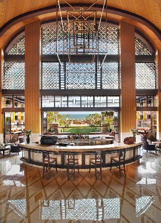 The St. Regis Sanya Yalong Bay Resort: 闲逸廊-大堂吧2