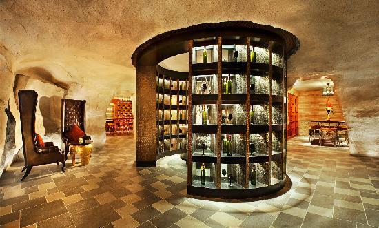 The St. Regis Sanya Yalong Bay Resort: 醒酒廊2
