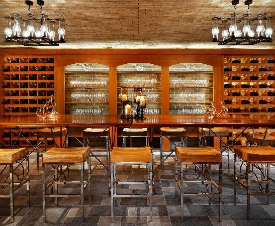 The St. Regis Sanya Yalong Bay Resort: 醒酒廊3