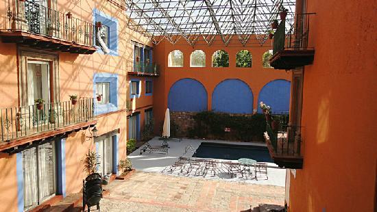 Mision Guanajuato: Misión Guanajuato酒店中庭及室外泳池