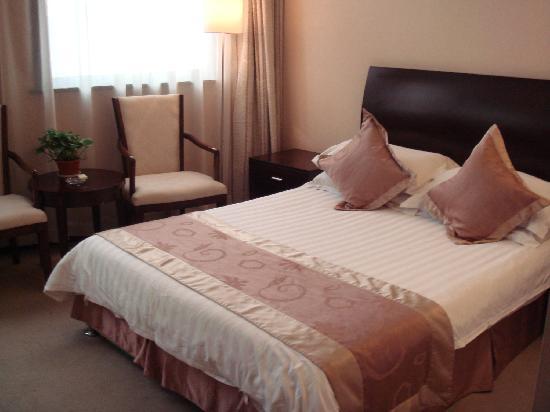 Zhongtian Phoenix Hotel