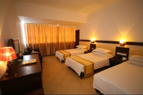 Sanya Yuhai Seascape Hotel: 豪华三人间