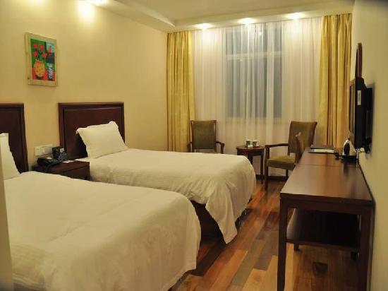Green Tree Inn Shanghai Chongmingbao Town Express Hotel: 客房