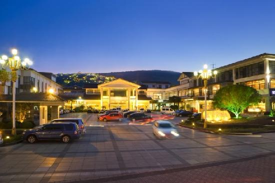 Woods Hotel