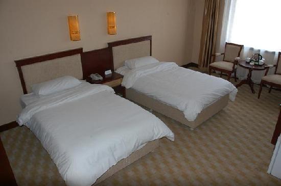 Sanhe Hotel: 标准间