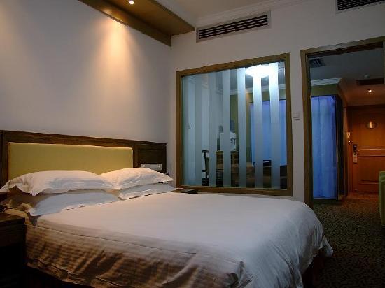 Yin Fa Hotel: 大床房