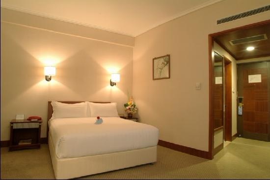 Pinghu Junyue Hotel