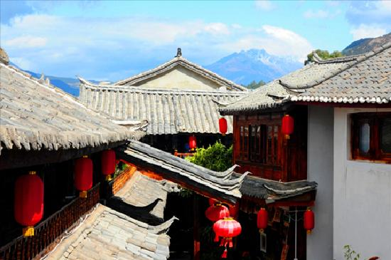 Sanwei Living Small Courtyard: 庭院外视图
