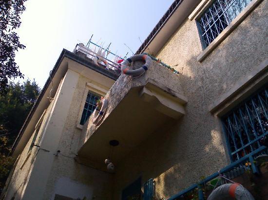 Moon&Flowers Art Life Villa: 外观3-这就是维多利亚房的阳台!
