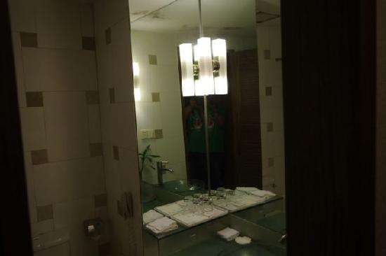 Gem Hotel: 洗浴间