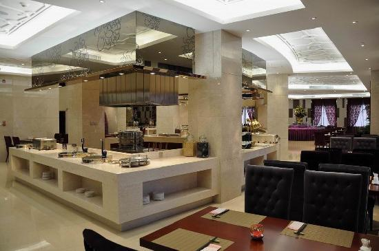 Chunyi Hotel: 贵宾楼二楼自助餐厅