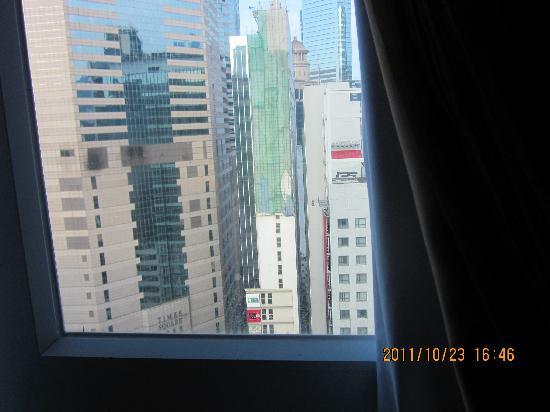 BEST WESTERN Hotel Causeway Bay: 酒店对面就是时代广场