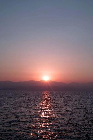 Dali Windoo Resort: 躺在床上看日出