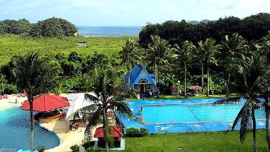 Airai Water Paradise Hotel & Spa: 泳池