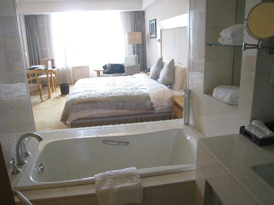 Latumogen Hotel: 4