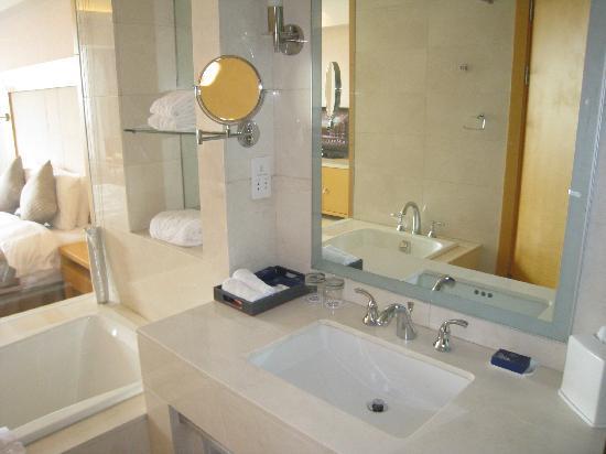 Latumogen Hotel: 5