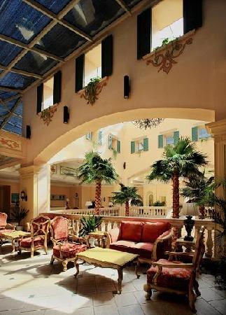 Napa Club Hotel