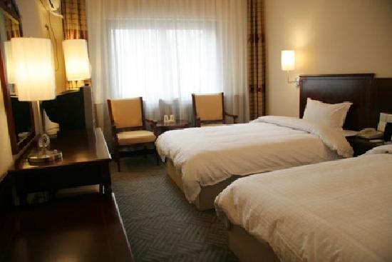 Suba Hongqi Square Hotel