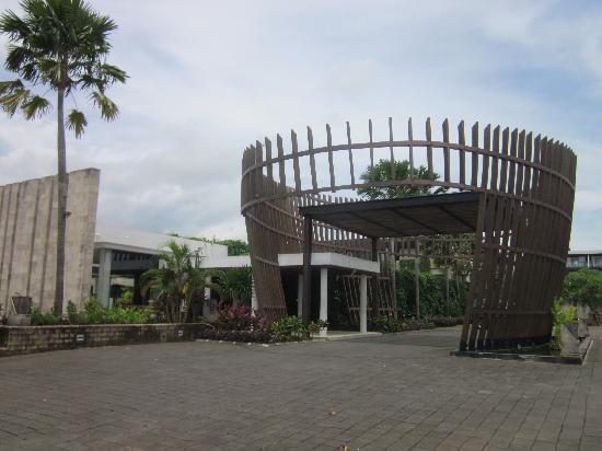 Le Grande Bali: 酒店大门