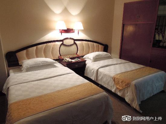 Hongyun Hotel: 房间-2(北流·红云)