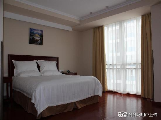 GreenTree Inn Xuyi Huaxia Business Hotel: 大床