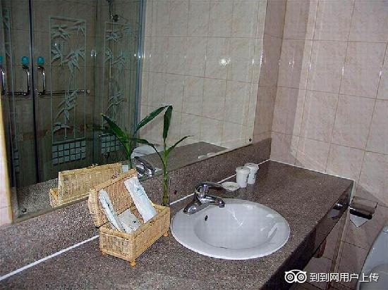 GreenTree Inn Wuxi New Area Wangzhuang Express Hotel: 卫浴间