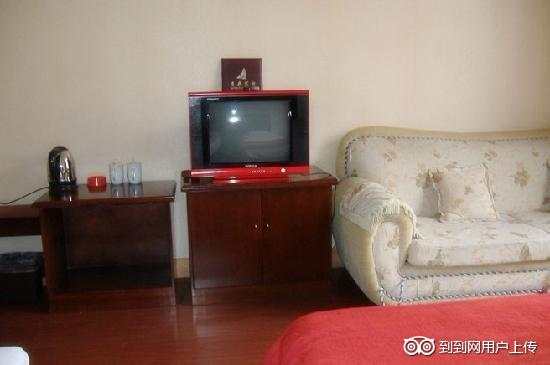 GreenTree Inn Qingdao Railway Station Square Express Hotel: 商务标间