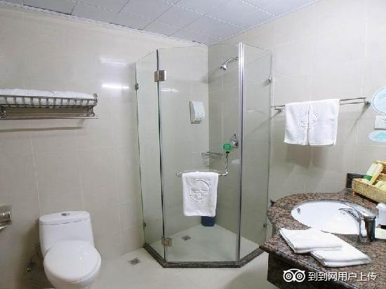 GreenTree Inn Wuxi Fazhan Mansion Business Hotel: 卫浴间