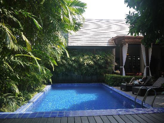 Baan Klang Wiang: 泳池