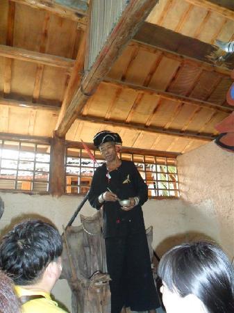 Sanya Li and Miao Village: C:\fakepath\psb(2)
