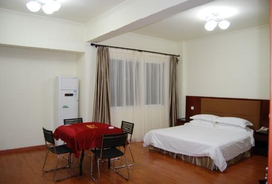 Haitang Business Hotel : 麻将大床房