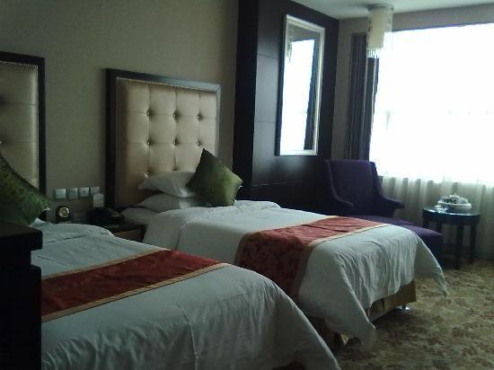 Sanding Huayue Hotel