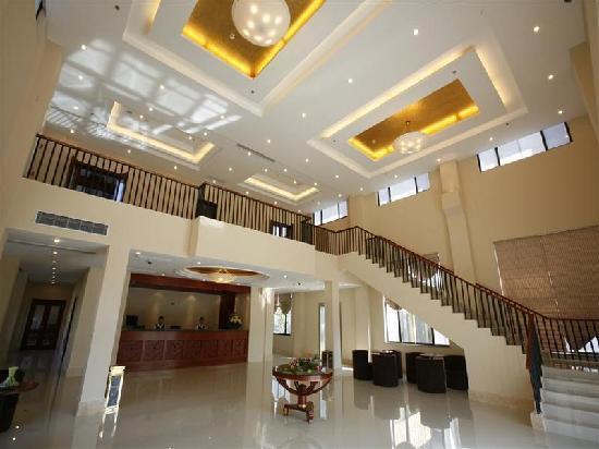 Qianwei Hotel: 大堂