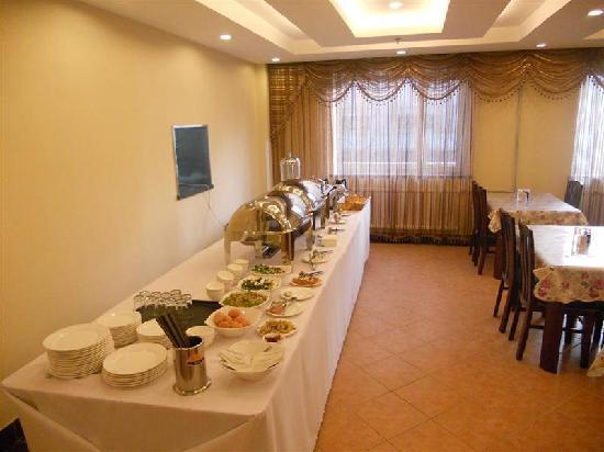 Lianhui Jujia Hotel Dalian Gangwan Plaza: 早餐
