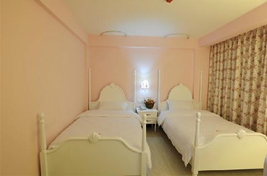 Romantic Xijie Hotel
