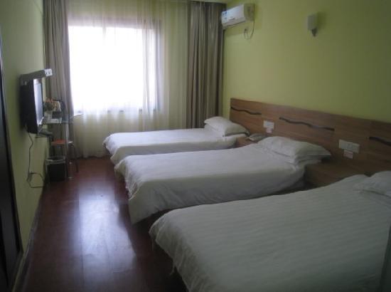 Mingshen Hotel : 三人间