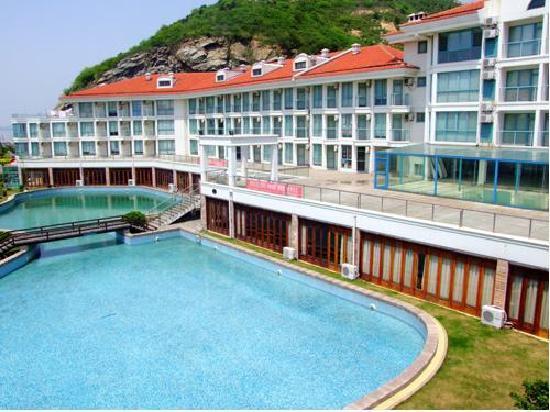 Haitian Yise Center Lianyungang Liandao Golden Coast Resort: 游泳池