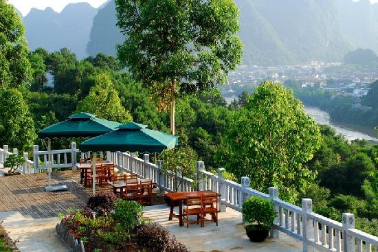 Yangshuo Dongling Resort: 观景休闲区