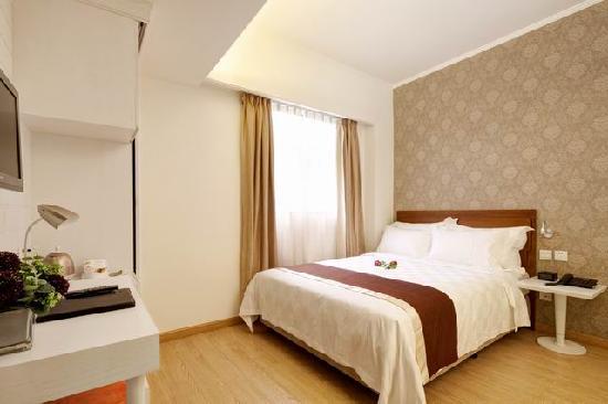 Ole Tai Sam Un Hotel