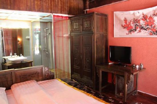 Baogen Renjia Liuliu Hostel : 豪华大床房