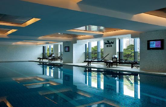 Ramada Plaza Shunde: 酒店室内游泳池