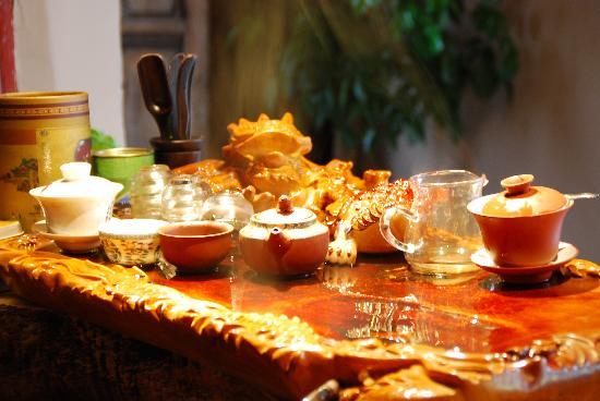 Huwaiyi Lijiang Luxing Jiayuan Inn Qianqian: 茶盘