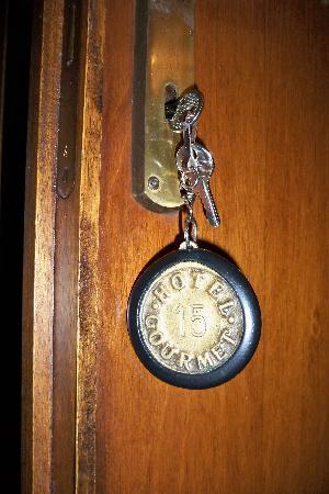 Hotel Il Gourmet: 酒店的门牌钥匙链