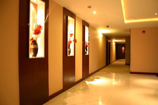 E-link Hotel: 楼层过道
