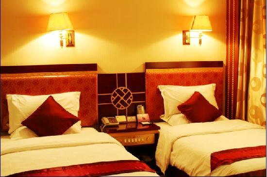 Xining Mansion: 一室一厅,卧室双床
