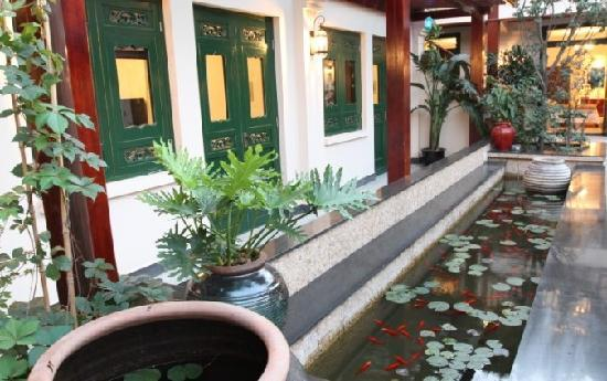 Jingshan Garden Hotel Review
