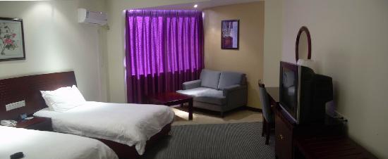 Starway Qinghua Thematic Hotel : 调整大小 高级双人房