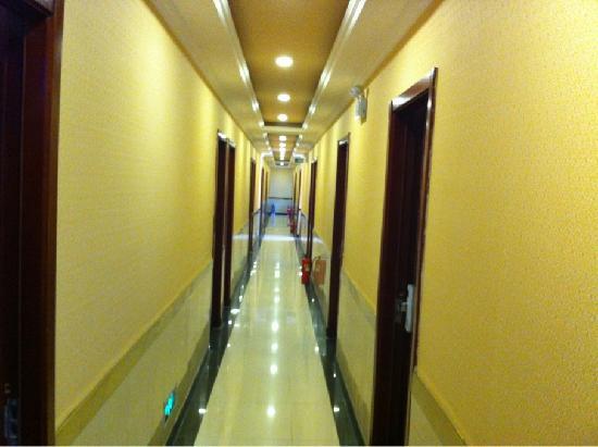 Fulai Hotel : 楼道